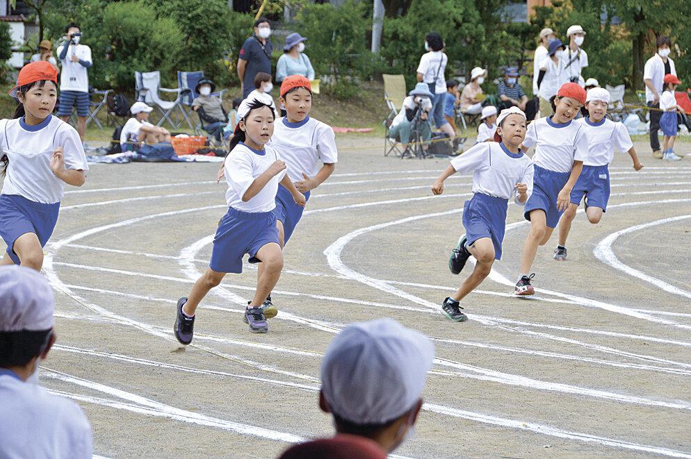 校庭に児童の歓声響く コロナ下 秋の運動会 塩尻市内小学校 シーズン ...